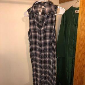 Sleeveless flannel button up dress